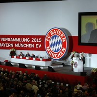 'Broomstick robber' charged with blackmail after Bayern Munich received bomb threats