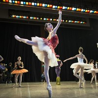 This teen left her small US town to become a ballet dancer in Russia