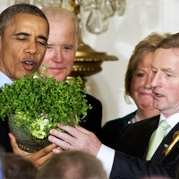 Sliced bread, crisps, and cufflinks: The gifts that Enda gave the Obamas