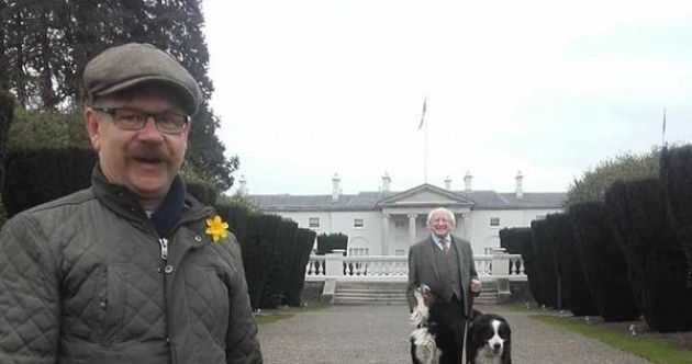 The President pulled off a great photobomb in the Phoenix Park