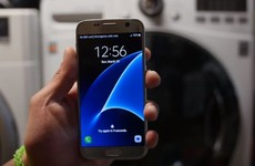 What happens when you throw a Samsung S7 into a washing machine?