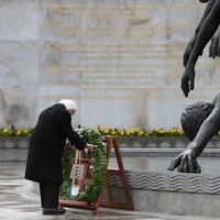 President Michael D Higgins kicks off 1916 celebrations with wreath-laying ceremony