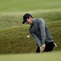 Rory McIlroy digs deep again to clinch narrow win against Zach Johnson