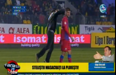 WATCH: A supporter run onto the field and strike a Steaua player