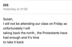 An Irish gal emailed her lecturer while locked at the races and it was mortifying