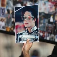 Jury in Michael Jackson doctor trial consider verdict