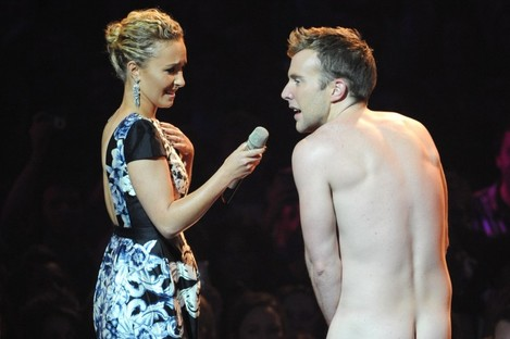 Actress Hayden Panettiere had to cope with the emergence of a charming streaker who chatted amiably before running off, arms flailing...