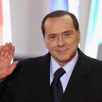 Berlusconi uses Facebook to deny resignation rumours