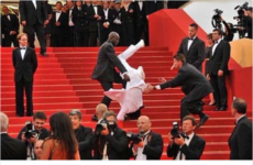 Poor Jason Derulo was the victim of a Met Gala-related Twitter hoax again