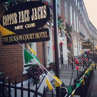 12 priceless tourist reviews of Coppers