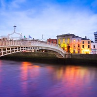 Fancy red carpet to be put down on Ha'penny Bridge to mark 200 years