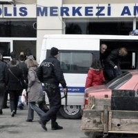 Turkish forces shoot dead ferry hijacker