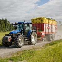 Drivers told to be patient as good weather brings more tractors on roads