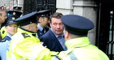 Scuffles between water charge protesters and gardaí as Alan Kelly arrives at the Dáil