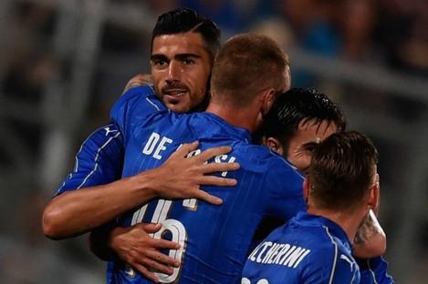 Graziano Pelle celebrates his goal against Scotland.