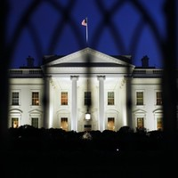 White House shooting suspect 'could be a threat to Obama'