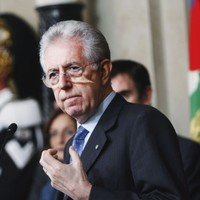 Monti announces Italian cabinet - and will be his own finance minister