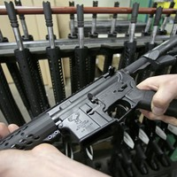 US car dealership offering free Orlando-style assault rifle with car purchase