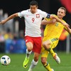 Lewandowski's goal drought continues for a sixth game as Poland move into last 16