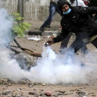 Cairo police launch major push to force protesters from Tahrir