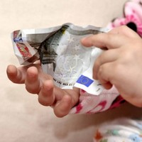 Fears mount over Budget cut to child benefit