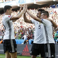 Slick Germany ease into Euro 2016 quarter-finals