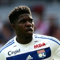 Barcelona agree €25m deal to sign French defender Umtiti
