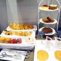 8 emotions that people who *love* hotel breakfasts will recognise