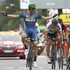 Aussie claims thrilling stage victory as Martin stays on heels of Froome