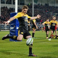 Hurricanes come up with terrific early try in atrocious conditions
