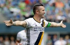 Robbie Keane ghosts into the box to score after some pretty non-existent defending