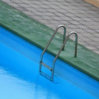 Two children and their teenage babysitter drown in Colorado swimming pool