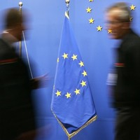 Eurozone finance ministers hold talks amid fears of euro breakup