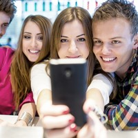 Ireland's young people read less online news than any other EU country (but they love Facebook)