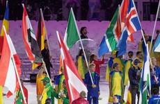 Rowing hero Gary O'Donovan holds Irish flag as 'marvellous' Rio flames out