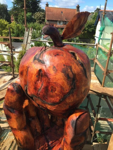 Greystones is getting an immense tree carving 'in honour of Apple's €13bn'