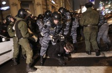 Clashes as anti-Putin protestors take to streets in Moscow