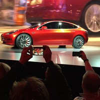 Tesla hopes this change will help its cars' autopilot software avoid fatal crashes