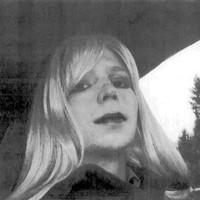 Chelsea Manning ends hunger strike as US army agrees to pay for her gender surgery