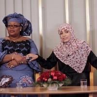 Three women accept Nobel Peace Prize