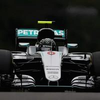 Rosberg pips Hamilton to pole position at Japanese Grand Prix