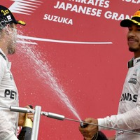 Hamilton bemoans wheelspin as Rosberg closes in on F1 title with win in Japan