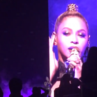 Beyoncé's earring got ripped out at her gig and she just kept on singing