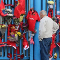Thousands of supporters pay respects to Munster legend Anthony Foley
