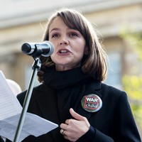 Actress Carey Mulligan joins London protest seeking end to Aleppo bombing