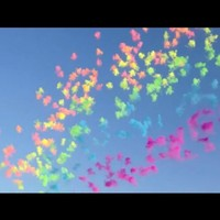 Artist creates incredible display of daytime fireworks
