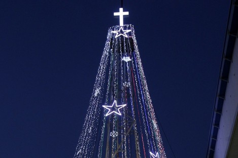 South Korean Christians sing a Christmas song in front of a 100-foot-tall (30-meter-tall) steel Christmas tree near the demilitarised zone dividing the two Koreas.