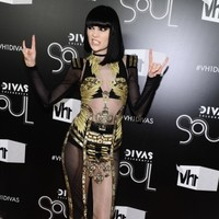 Singer Jessie J says she wants to gain more weight in 2012