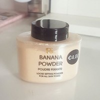 Beauty bloggers are going crazy for this makeup setting powder from Penneys
