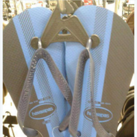 Nobody on the internet can agree what colour these flip flops are